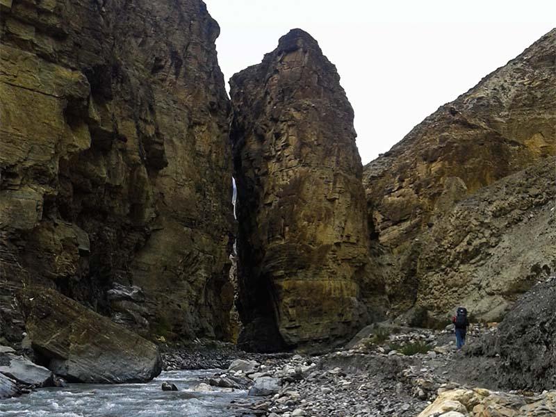 nar-phu-valley-tilicho-lake-trek