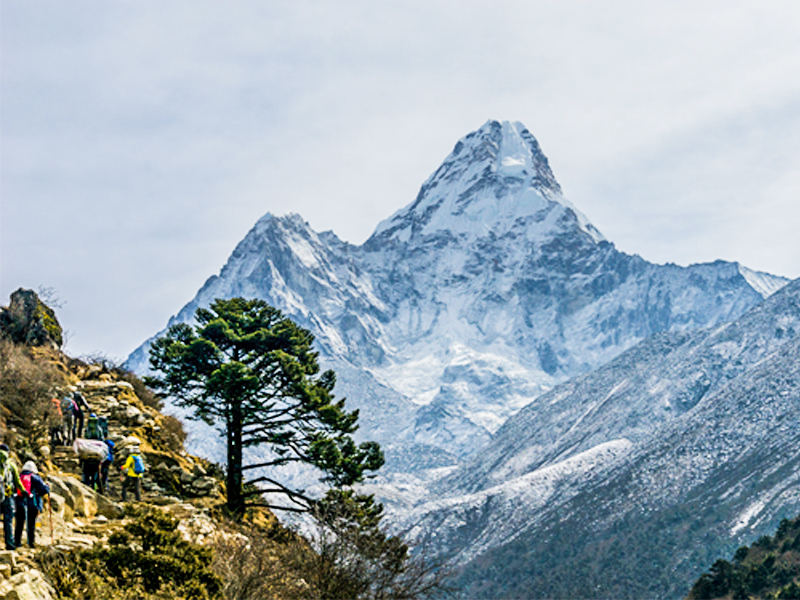 buddhism-and-mt-everest-view-trek